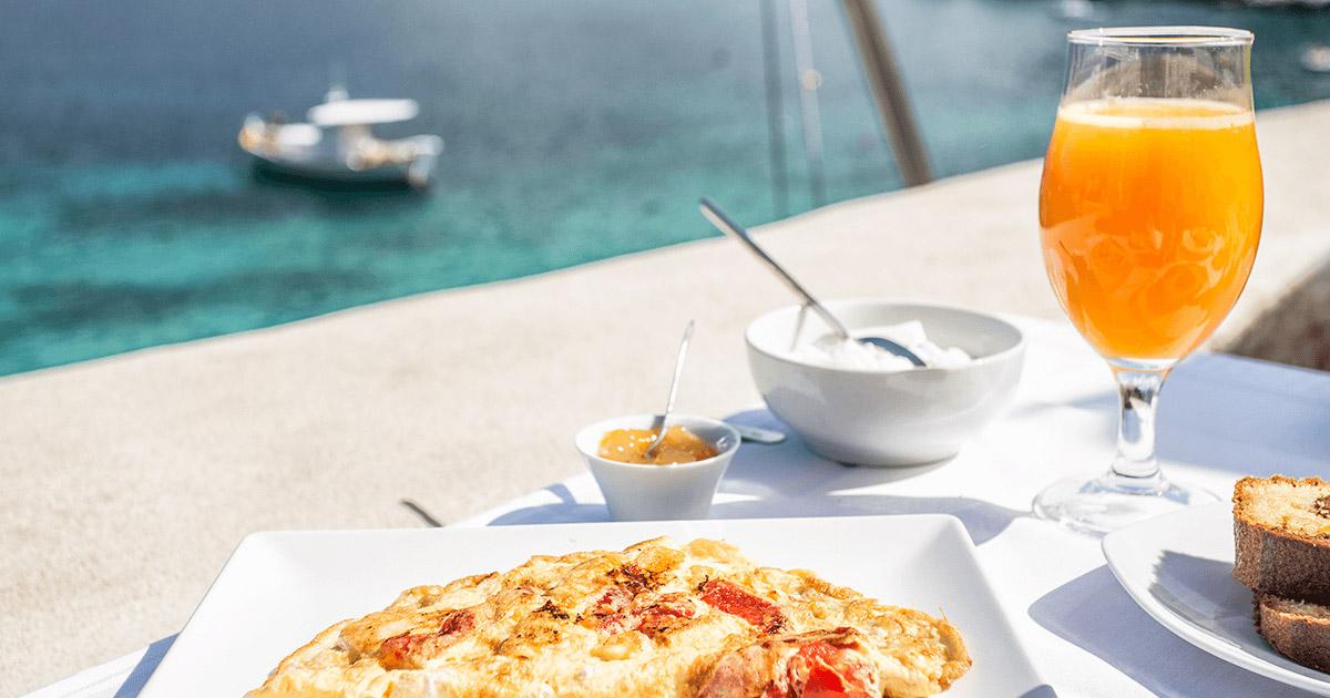 Breakfast On Boat