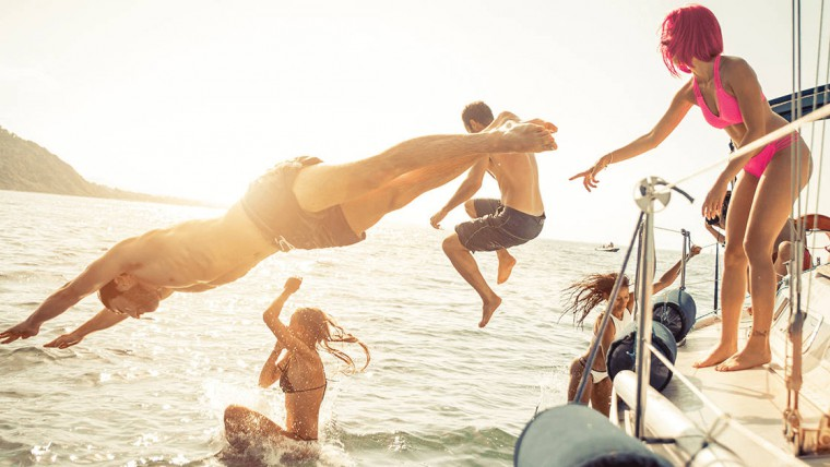 12 Good Reason to Plan a Boat Holiday For This Summer